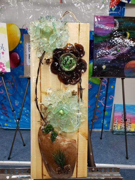 Xcelent Guest Creation - Glass flowers